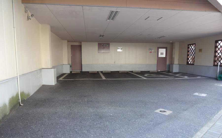 かげ耳鼻咽喉科医院の駐車場